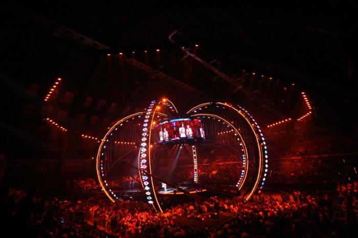 ESKA Music Awards 2009 scena i wszystkowidzące oko
