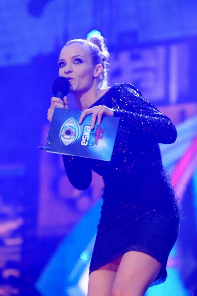 ESKA Music Awards 2012 prezenterka i wszystkowidzące oko