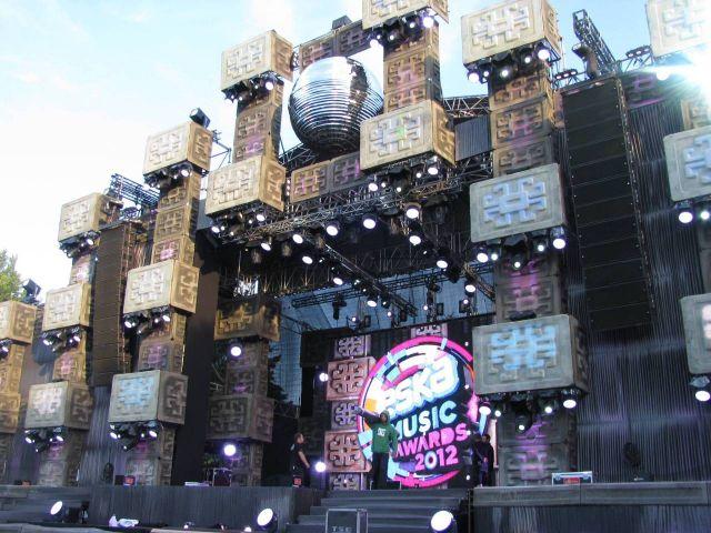ESKA Music Awards 2012 scena i wszystkowidzące oko