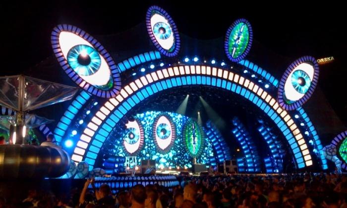 ESKA Music Awards 2013 scena i wszystkowidzące oko