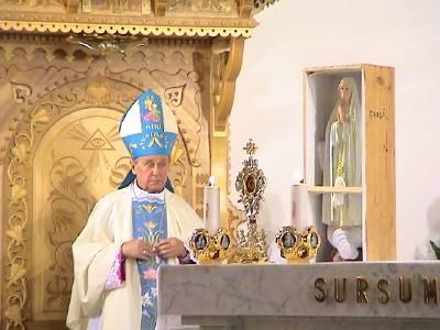 Kościół katolicki. Gdzieś w Polsce.
