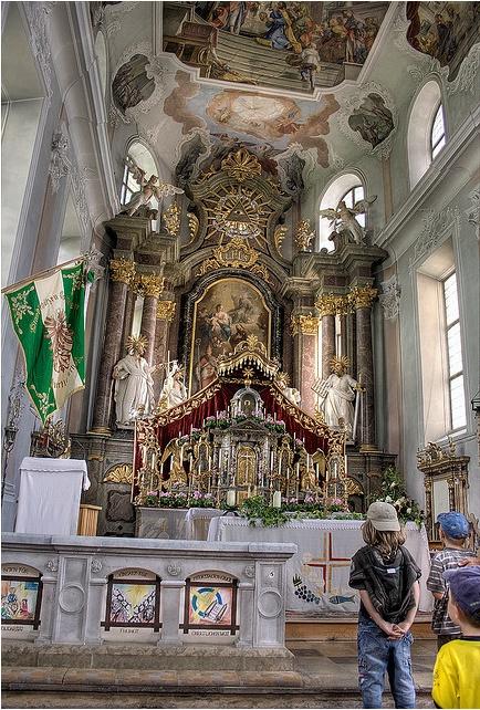 Kościół katolicki.